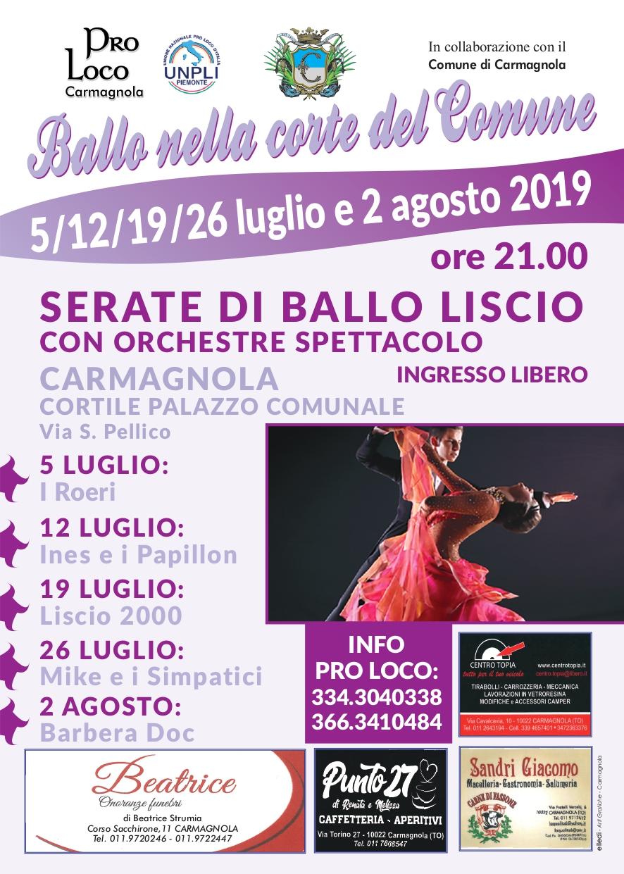 Calendario Orchestre Liscio.Ballo Nella Corte Del Comune Citta Di Carmagnola